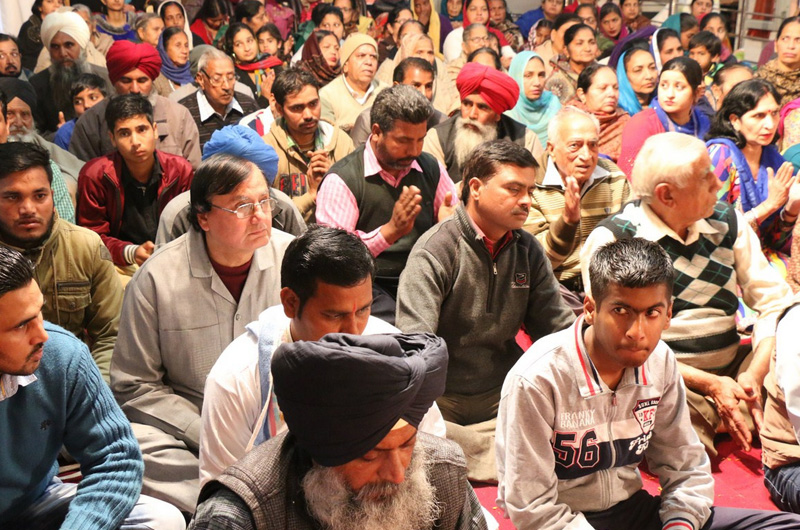 Bhajan Sandhya Channelizes True Devotion at Moga, Punjab