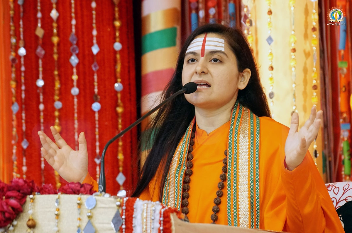 Shrimad Devi Bhagwat Katha Enlightened the Masses of Jaipur, Rajasthan with Insightful Thoughts