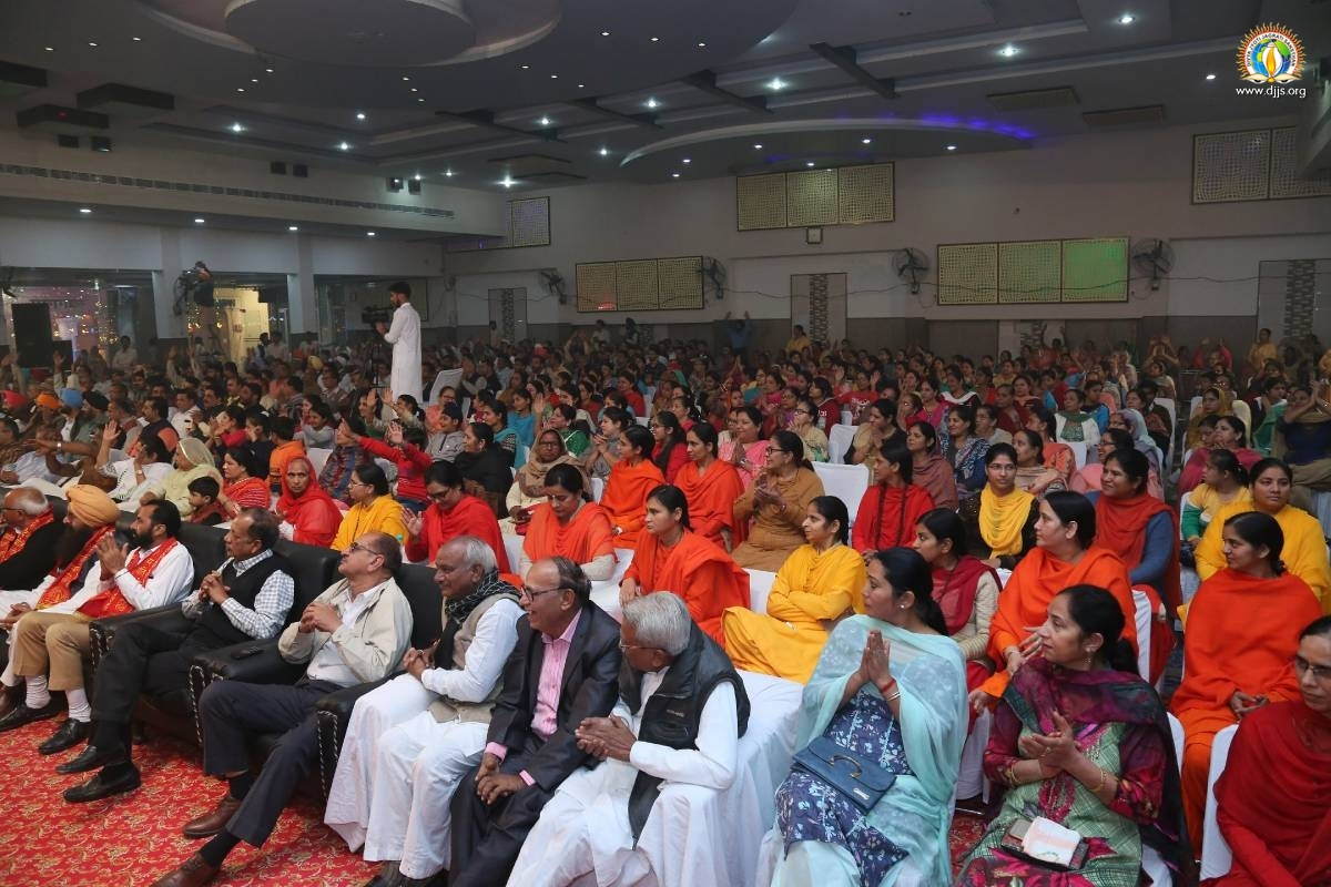 True Essence of Bhakti Revealed at the Devotional Concert at Malout, Punjab