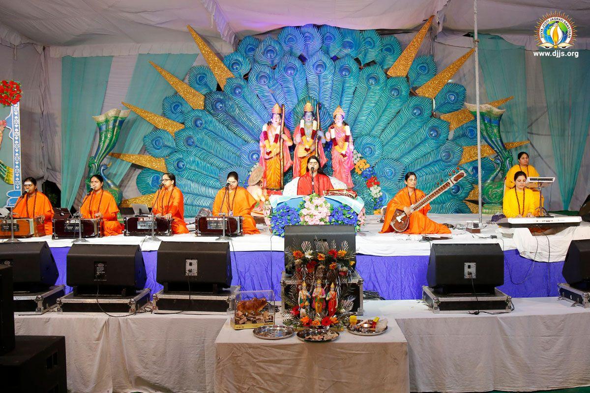 Shri Ram Katha Painted the Canvas of Spirituality to Achieve Ram Rajya in Jalandhar, Punjab